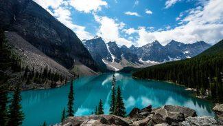 lakes and mountains of glacier national park montana usa