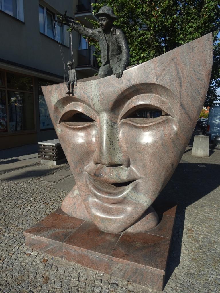 theatre statue bialystok