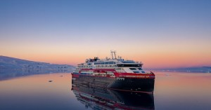 hurtigruten expedition vessel
