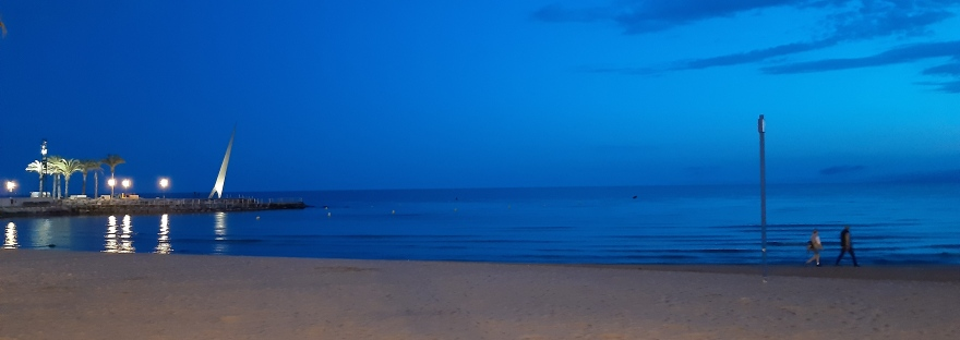 salou beach at night